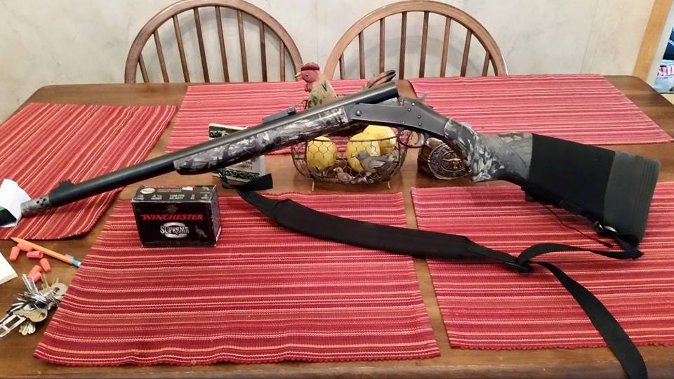 H and R 10 gauge pardner with one full box winchester 3.5 turkey load