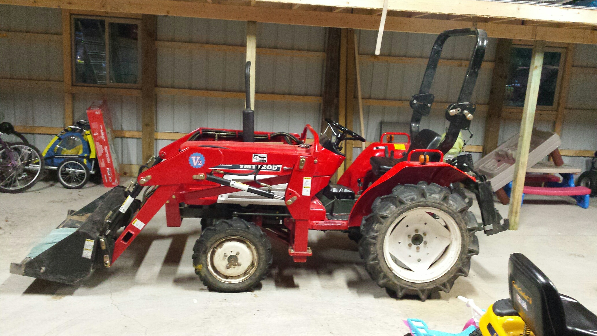 Yanmar 1720D 4x4 Diesel 23 HP Tractor Low Hours Great condition