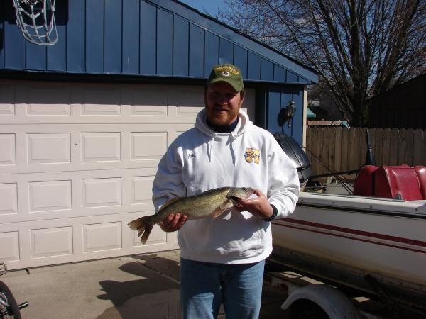 Friday march 29 2013 first detroit river walleye ever for Detroit river fishing